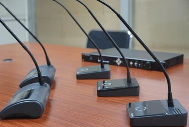 China Meeting Room Voting Microphone With Loudspeaker / Conference Table Microphone System factory